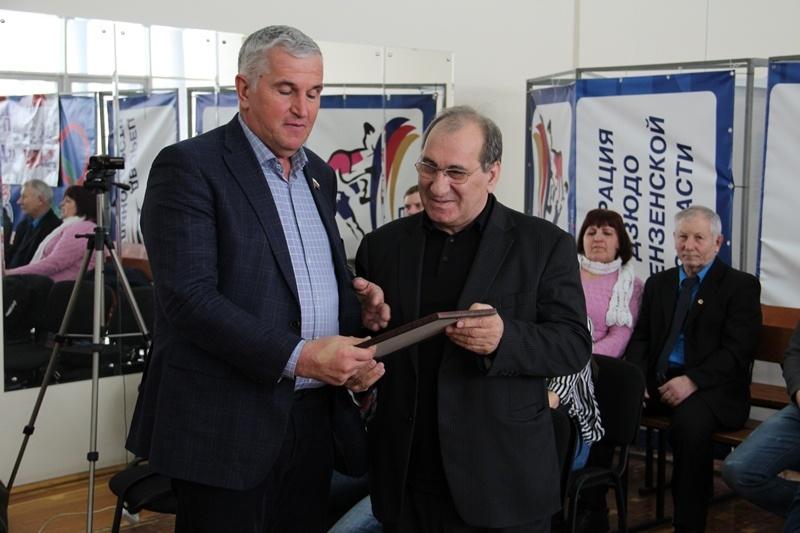 Пензенские штангисты разыграли денежный приз на Чемпионате Пензенской области
