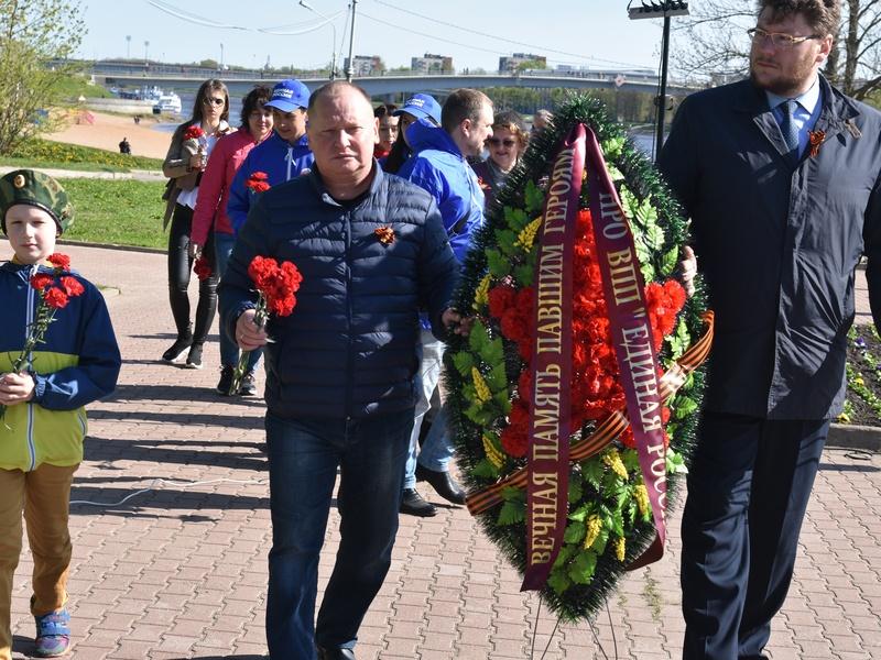 Возложение цветов и акция «Георгиевская ленточка» на 9 мая