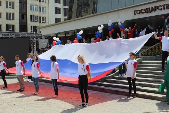 Единороссы КБР приняли участие в праздновании Дня России