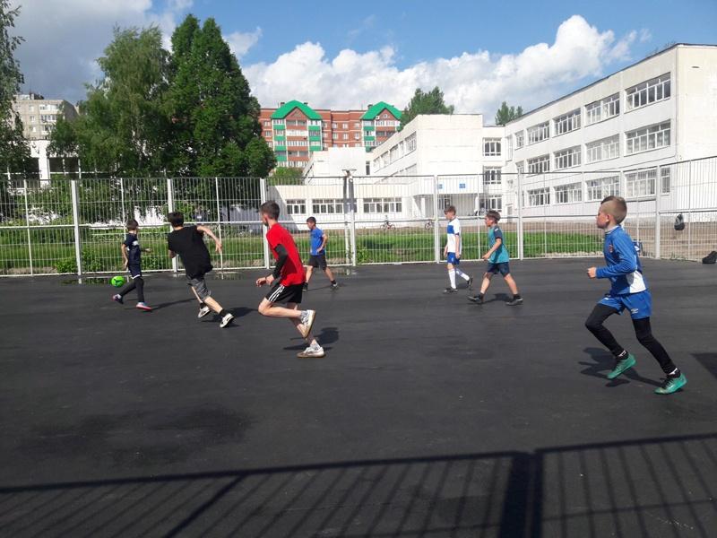 Подростки Уфы начали битву за поездку на финал Лиги дворового футбола в Санкт-Петербург