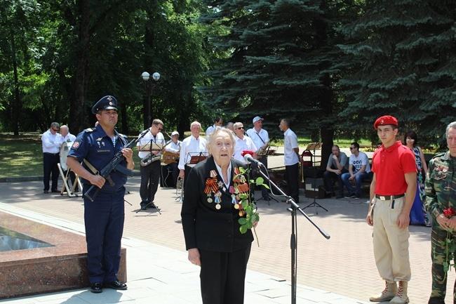 В Нальчике прошла Всероссийская военно-патриотическая акция «Горсть памяти»