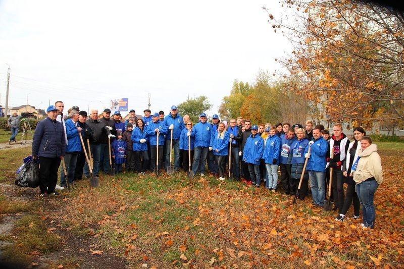 Пензенские партийцы вышли на общегородской субботник