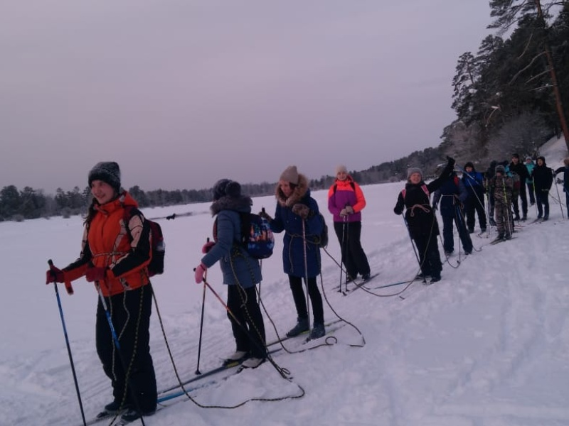 Партийцы с. Ангоя и с. Уоян Северо-Байкальского района совершили лыжный переход до с.Кумора (32 км).