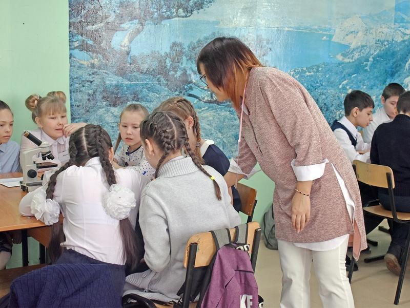 """В Северо-Байкальском районе выбрали """"Учителя года-2020"""""""