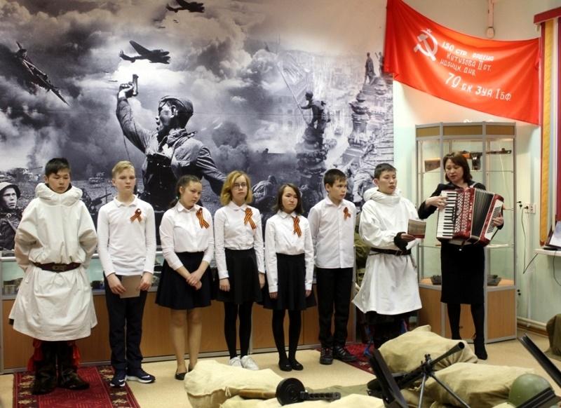 Концертный номер ученики посвятили участникам оленно-транспортных батальонов