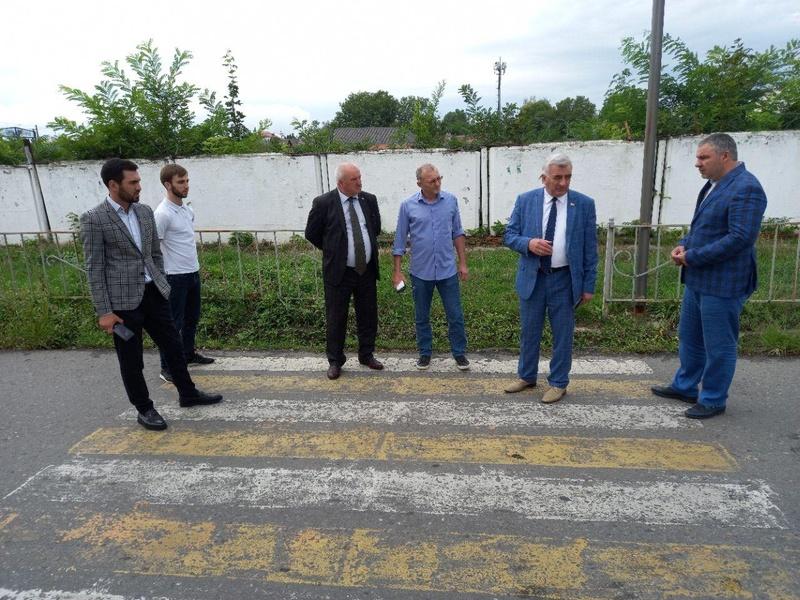 Единороссы провели мониторинг дорог и маршрутов до школ!