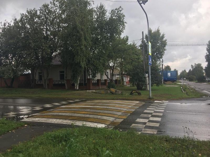 пешеходный переход от гимназии ведет в тупик